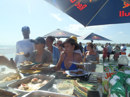Loisirs guadeloupe barbecue dans l eau marcobay 23032014 12